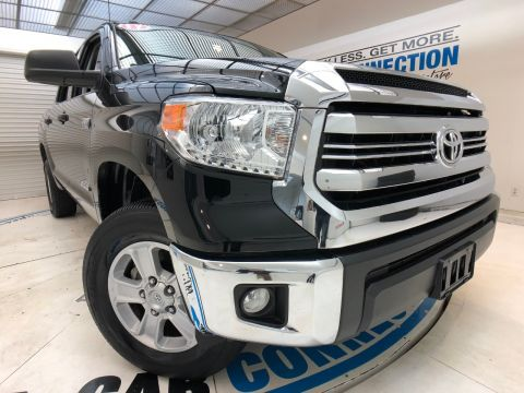 Pre-Owned 2017 Toyota Tundra 4WD SR5 CREWMAX 5.5' BED 5.7L (NATL)