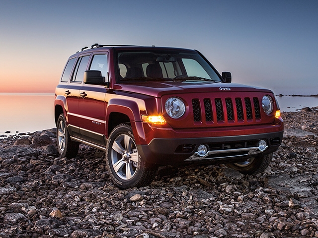 Pre-Owned 2015 Jeep PATRIOT FWD 4DR