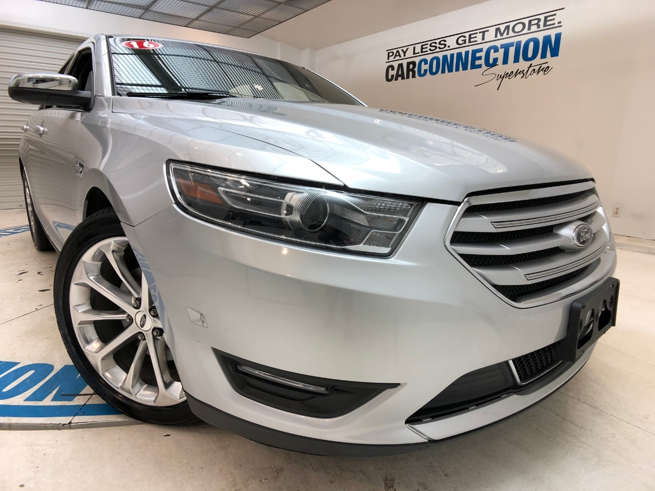 Pre-Owned 2016 Ford Taurus 4dr Sdn Limited AWD
