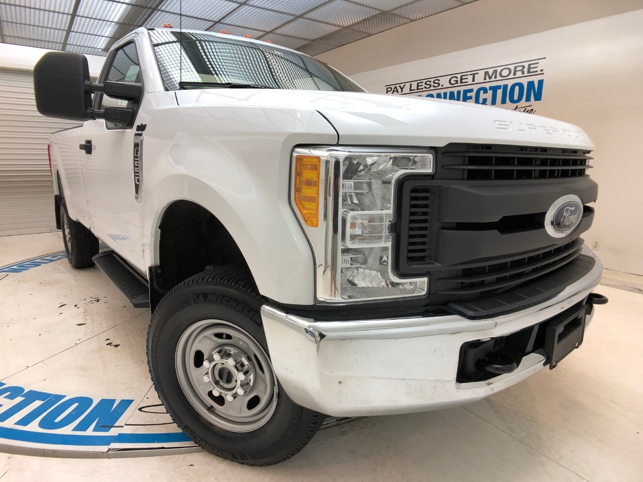 Pre-Owned 2017 Ford Super Duty F-250 SRW XL 4WD REG CAB 8' BOX