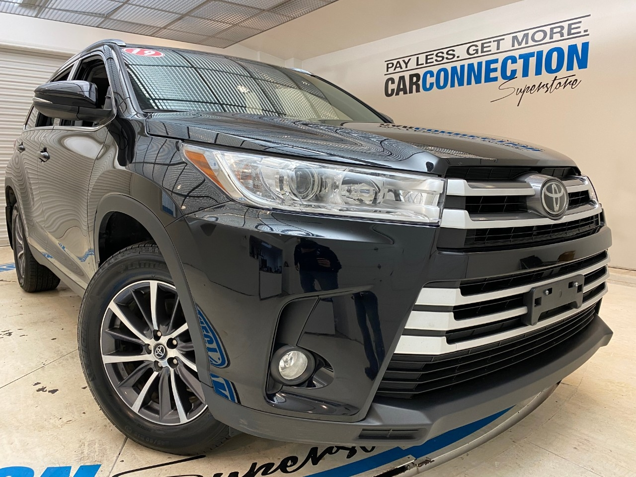 Pre-Owned 2019 Toyota Highlander XLE V6 AWD (NATL)