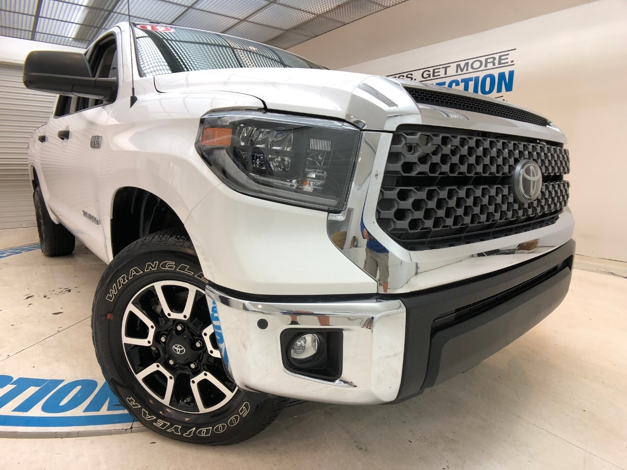 Certified Pre-Owned 2019 Toyota Tundra 4WD SR5 CREWMAX 5.5' BED 5.7L (GS)