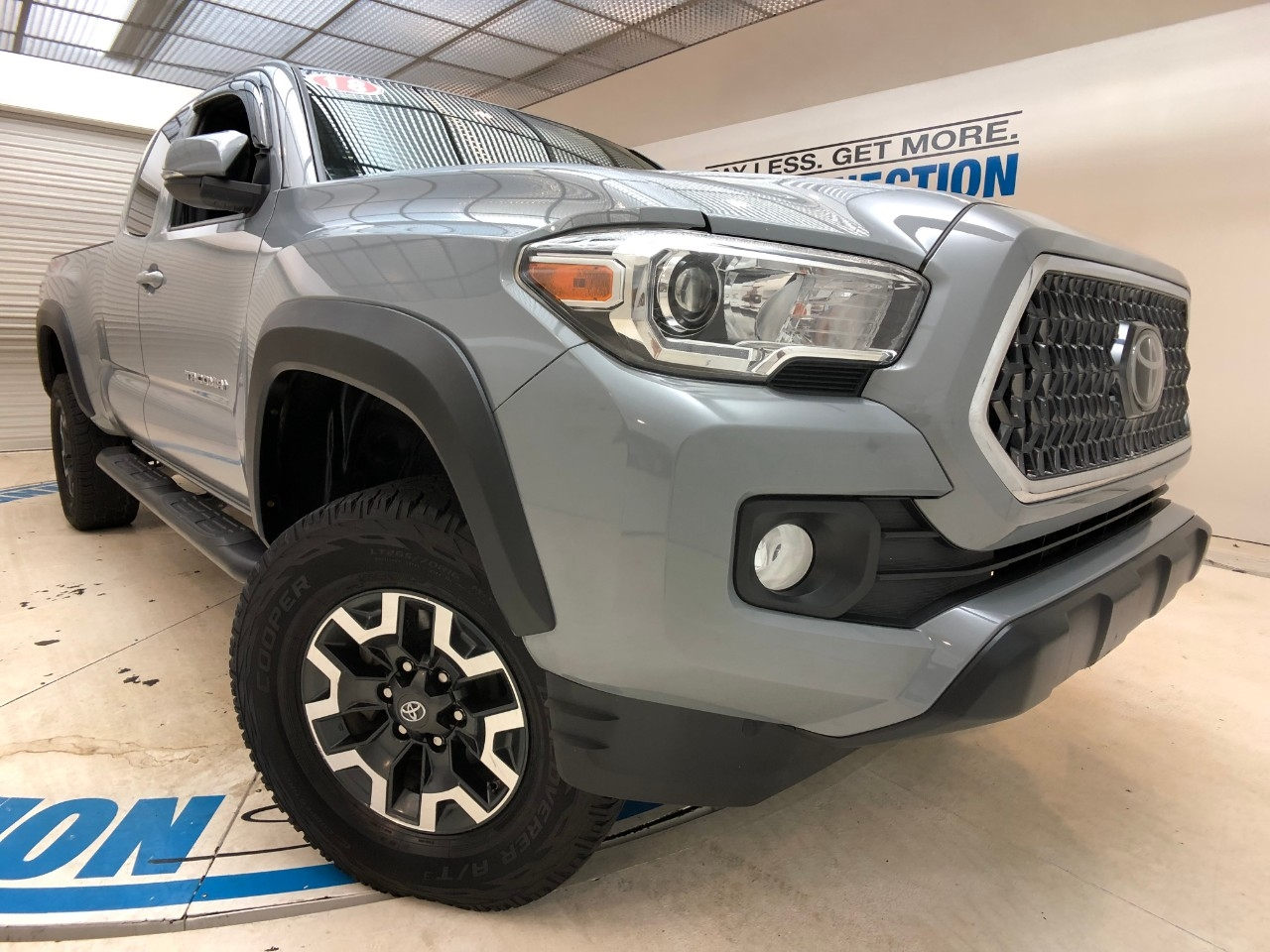 Pre-Owned 2018 Toyota Tacoma TRD OFF ROAD ACCESS CAB 6' BED V6 4X4 AT (NATL)